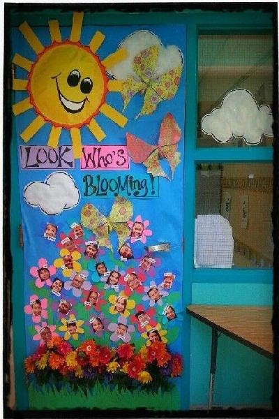 و هذه من أبسط الطرق التي يمكن استخدامها في التزيين، حيث يمكن عمل كور بأشكال  مختلفة يحبها الطلاب و يتم تعليقها في السقف، أو يتم تعليقها على جدران الفصل  بأي ...