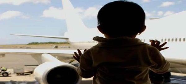 2007_report_child_plane-resize-crop-675x450