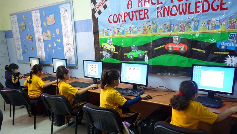 الحاسوب في المدارس