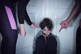 domestic violence 5 أخطاء في التربية تلازم آثارها أطفالكم مدى الحياة